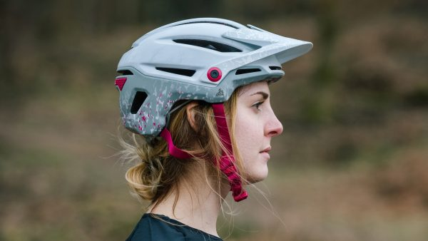 Bell Sixer bike helmet with MIPS technology