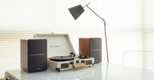 cheap record player speakers Edifier