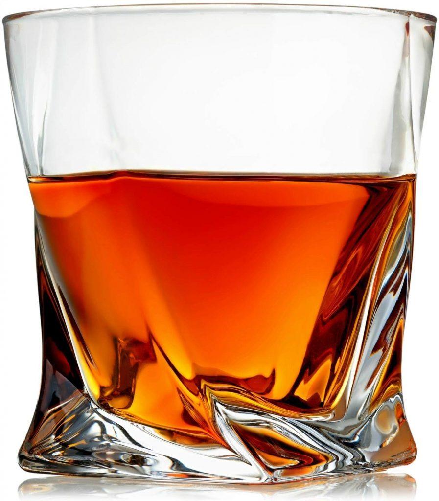 Venero Whiskey Glass half full with whisky